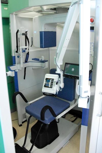より安全で確実な治療のために3次元CTスキャンを導入しています。